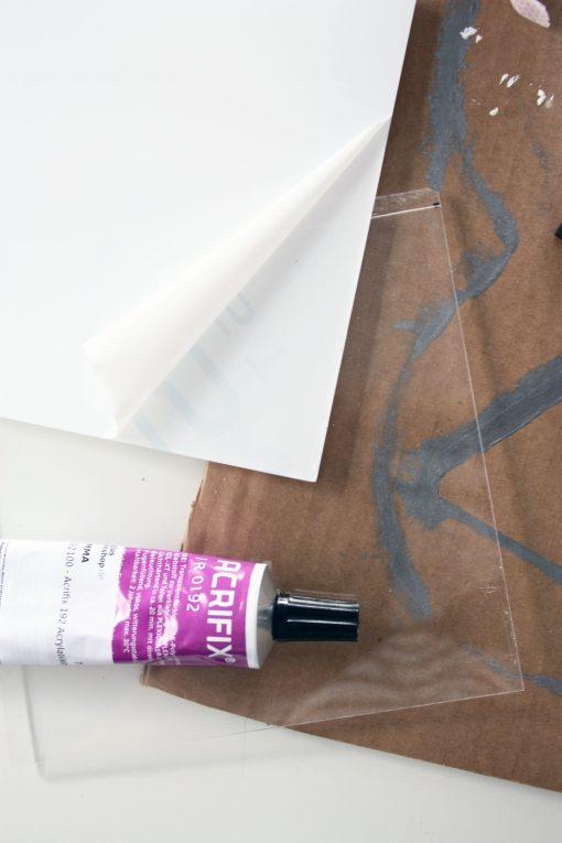 adhesif acrylique