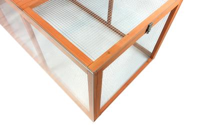 Créez un pare-vent plexiglass pour votre poulailler