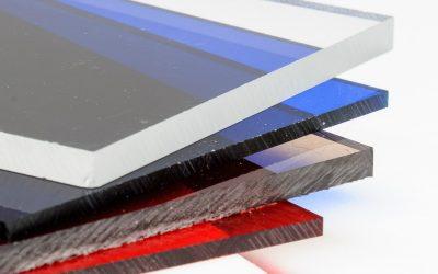 De quoi est composé le plexiglass ?