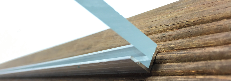 Fabrication d'un pare-vent en plexiglass etape 4