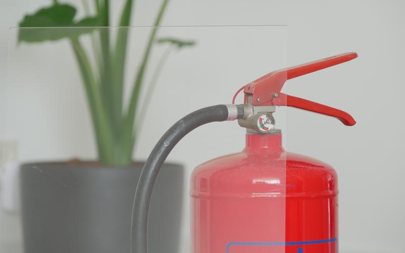 Le plexiglass est-il inflammable ?