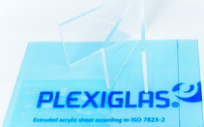 Les différences entre l'acrylique et le plexiglass