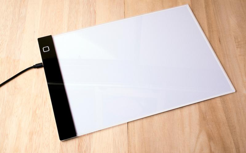Boite a lumierepour tracer en plexiglass
