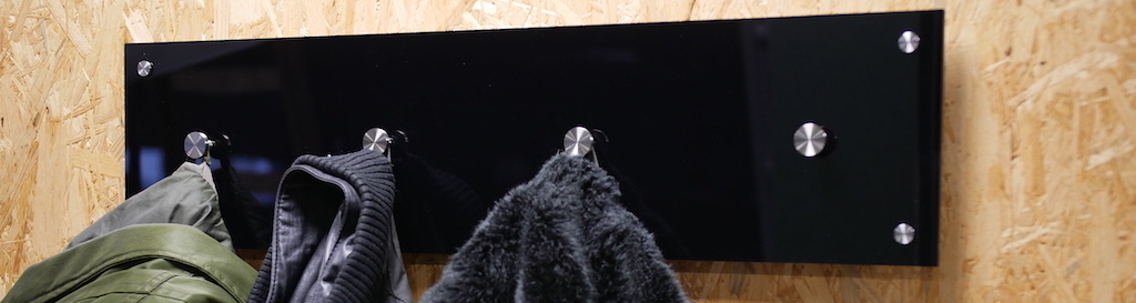 DIY porte manteau en plexiglass