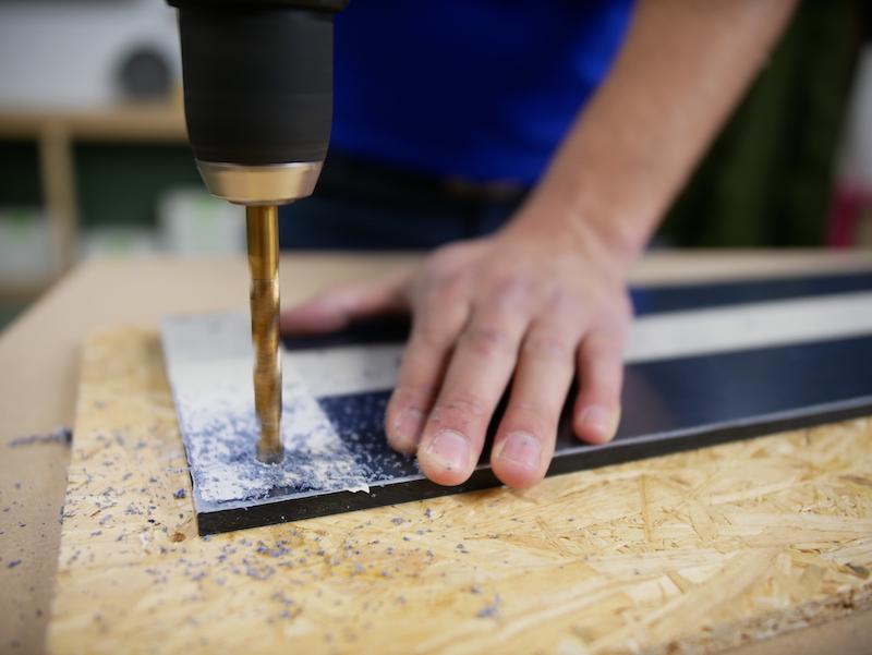 DIY porte manteau percer des trous dans le plexiglass