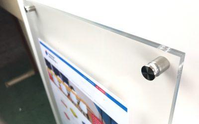 DIY : Un présentoir menu en plexiglass