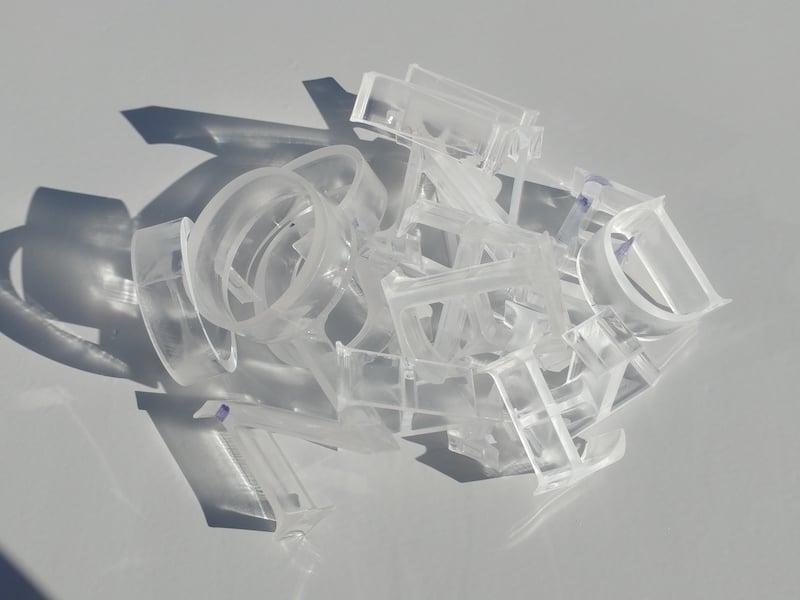 Découpe du plexiglass au laser : tout ce que vous devez savoir