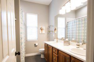 fenêtre salle de bain mat