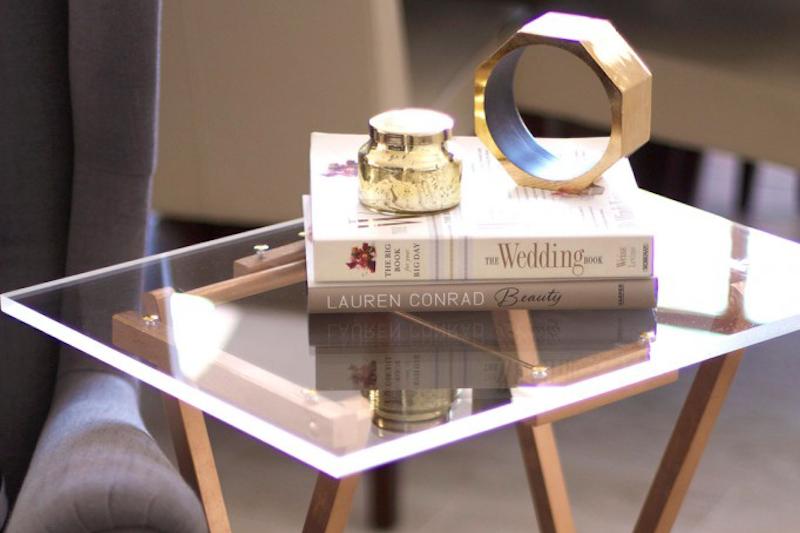 Réaliser votre propre table d'appoint plexiglas transparent