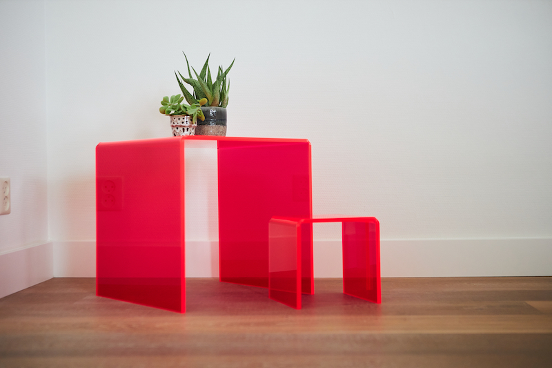 Réaliser votre propre table en plexiglas neon plexiglas
