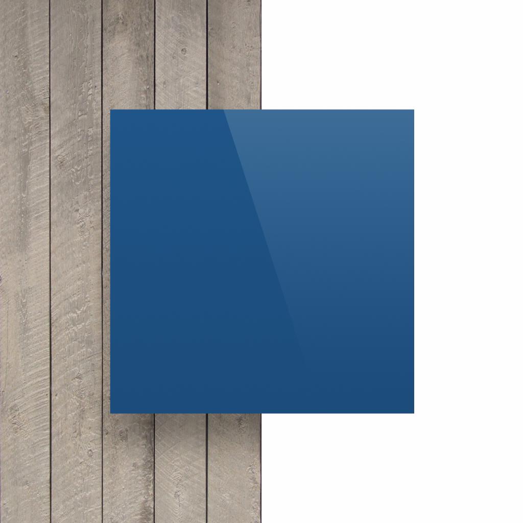 Plaque avec lettres blue devant