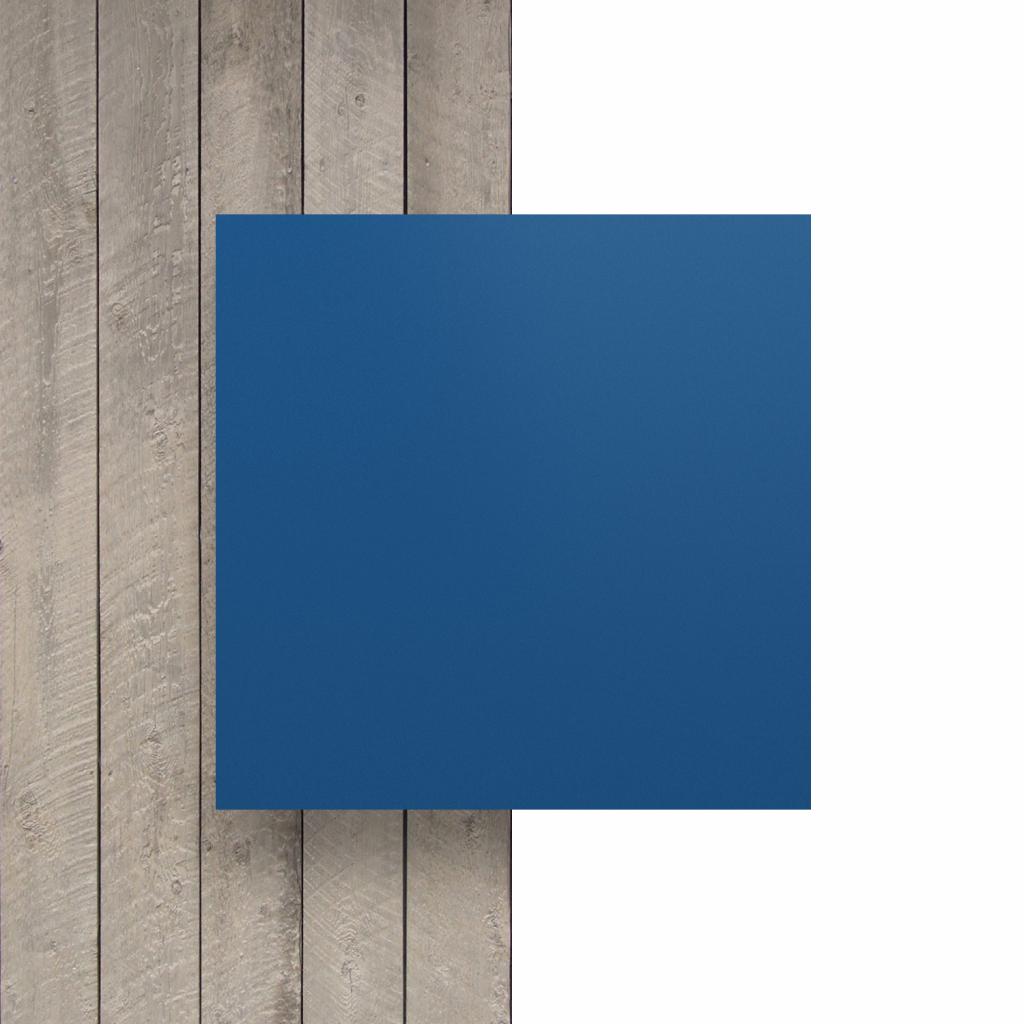 Devant plaque de lettres bleu mat